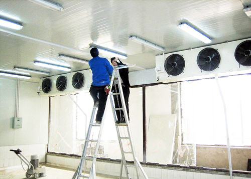 China Supermarket Cold Room Floor Construction , Coffee Shop Walk In Cold Room supplier