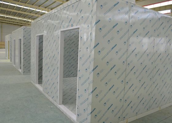 China High Temperature Cold Storage Room Keeping Fresh Sandwich Panels 220v / 380 V supplier
