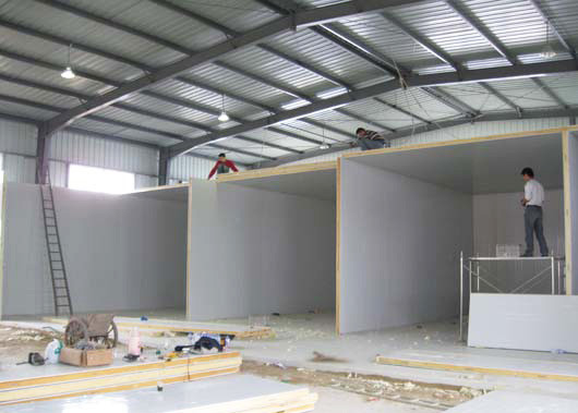 China Restaurant Commercial Cool Storage Room With Compressor / Cold Room Construction supplier